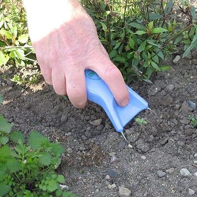Delicate weeding tool